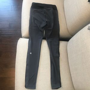 Lululemon gray and black leggings mesh size 4